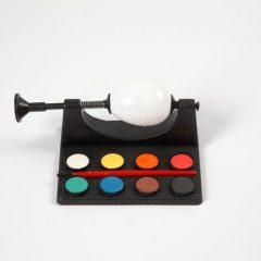 Priemonė kiaušinių/žaisliukų dažymui