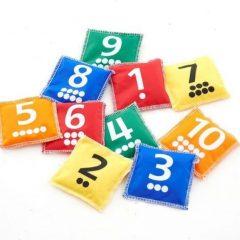 Pupelių maišeliai su skaičiais