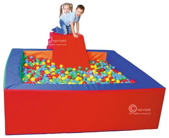 Kamuoliukų baseinas, 2 x 2 m.