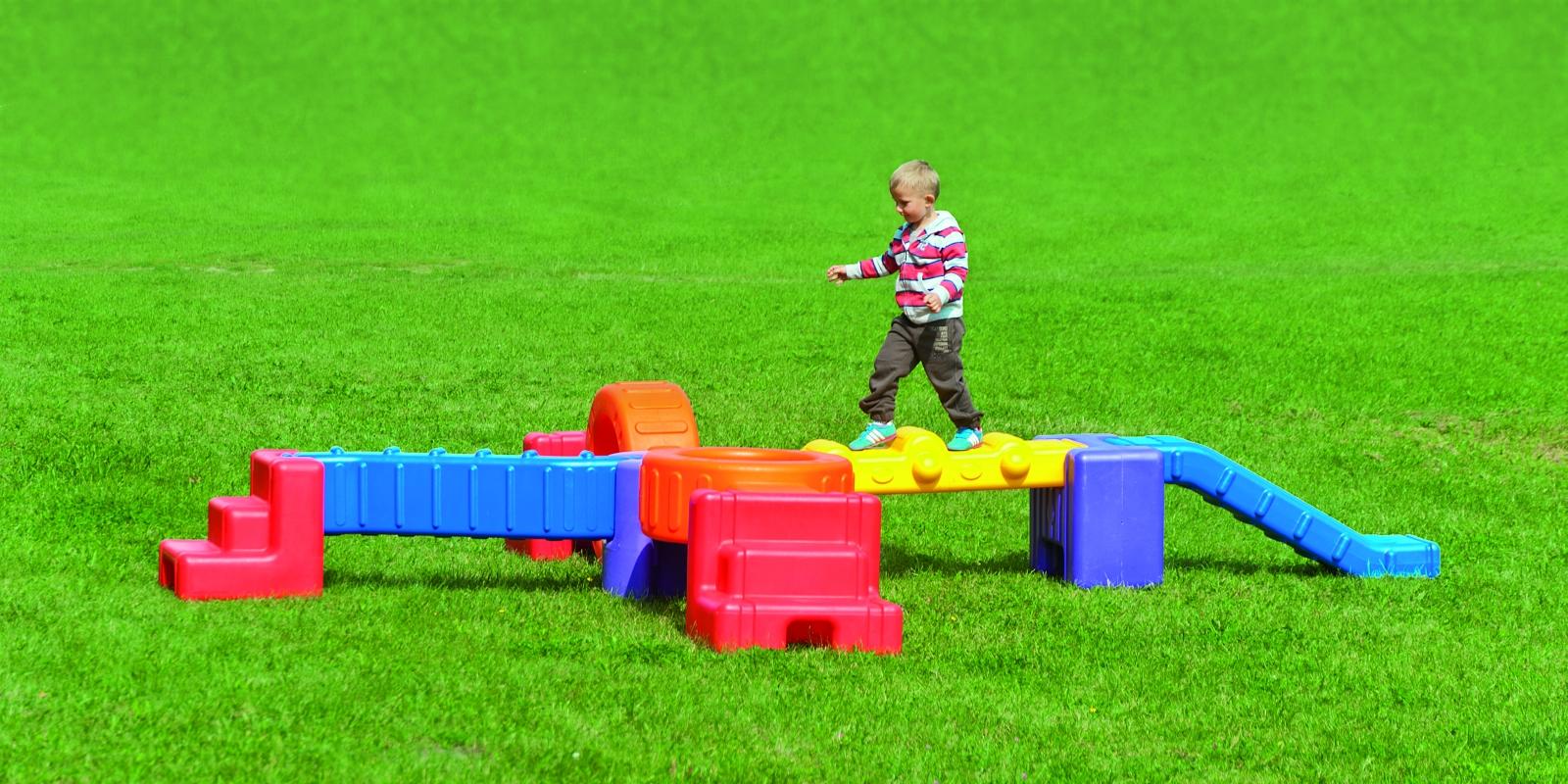 Rinkinys sportui NOMINO žaisti lauke ir viduje