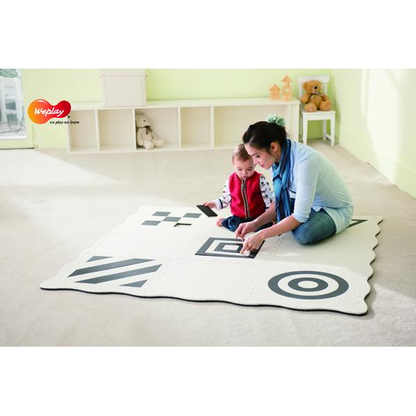 Juodai baltas kilimėlis-dėlionė